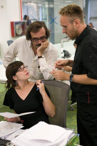 Rafael Reig, en el centro, junto a dos compañeros